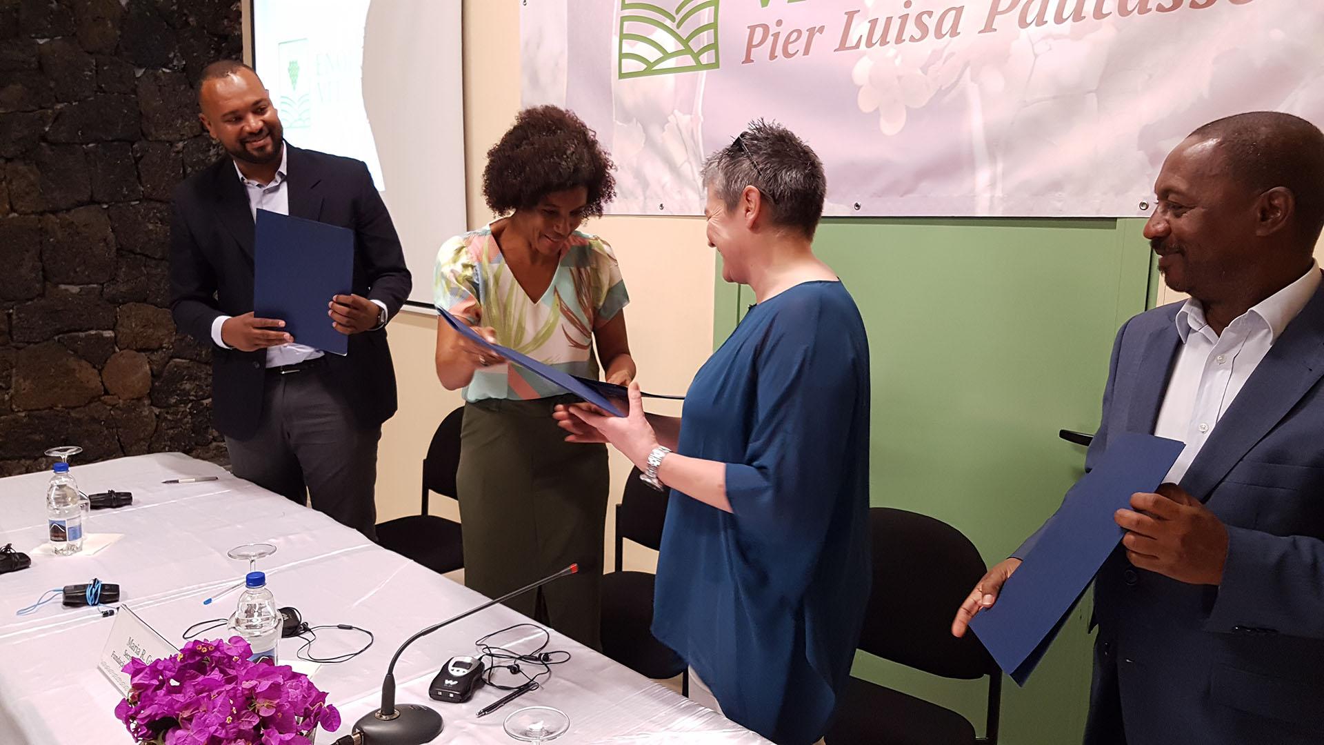 """CENTRO DI FORMAZIONE IN ENOLOGIA E VITICULTURA """"PIER LUISA PAUTASSO"""""""